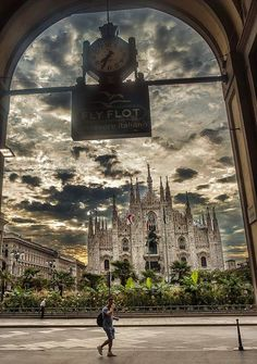 Buongiorno #Milano Foto di Franco Brandazzi #milanodavedere Milano da Vedere