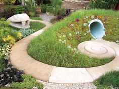 Lush Life: Using Organic Shapes in Large Gardens | Landscaping Ideas and Hardscape Design | HGTV