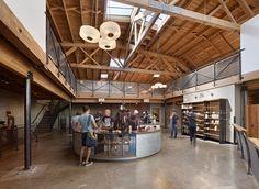 Slightglass Coffee - concrete floors