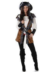 Déguisement Pirate femme : Ce déguisement de pirate pour femme se compose d'un haut, d'un gilet, de 2 ceinturons et de 2 écharpes ( chaussures et pantalon non inclus ). Le haut blanc est à manches...