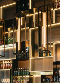 Who says that you need a lot of money to make a bar in your house? These beautiful cocktail bar interior ideas will help you make the coolest bar without spending all of your savings. Design Hotel, Bar Interior Design, Loft Design, Design Design, Design Suites, Chair Design, Design Ideas, Deco Restaurant, Restaurant Design