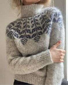 Fair Isle Knitting Patterns, Knitting Designs, Icelandic Sweaters, Nordic Sweater, Cat Sweaters, Learn How To Knit, Knit In The Round, Pulls, Knit Shirt