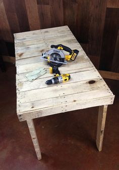 how-to-make-a-pallet-workbench