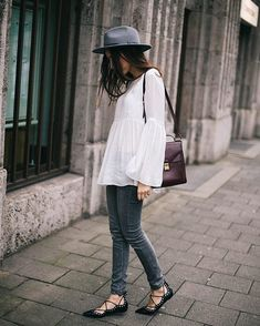 White-Bell-Sleeve-Top-Skinny-Jeans-Lace-Up-Flats-Fedora