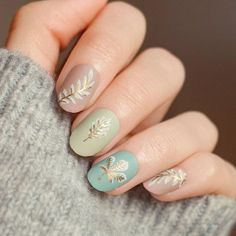 Hello again! ✨ I'm and this is my second design for today ⠀ This time a tried a lighter frosty look. Fall Nail Art, Autumn Nails, London Instagram, Fall Patterns, Manicure At Home, Fall Nail Designs, Professional Nails, Mani Pedi, Nail Artist