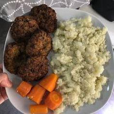 Κολοκυθοκεφτέδες νηστίσιμοι ή vegan!!! συνταγή από I❤to Cook by Rania - Cookpad Vigan, Mashed Potatoes, Ethnic Recipes, Food, Whipped Potatoes, Smash Potatoes, Essen, Meals, Yemek