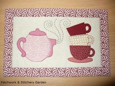 I like this mug rug - no pattern.