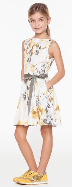 Here, it lightens with the shoes … - Dresses for Teens Dresses Kids Girl, Dresses For Teens, Day Dresses, Casual Dresses, Kids Outfits, Summer Dresses, Tween Fashion, Fashion Outfits, Baby Dress