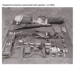 STRANGE WWII EQUIPMENT - PARATROOPERS EQUIPMENT SPREAD OUT DETAILING WHAT A RADIO OPERATOR WHO JUMP WITH!