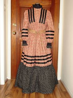 Cherokee Tear Dress- I personally prefer the diamond pattern incorporated into mine Native American Dress, Native American Cherokee, Native American History, Native American Indians, Native Americans, Cherokee Indians, Cherokee Symbols, Cherokee History, Cherokee Clothing