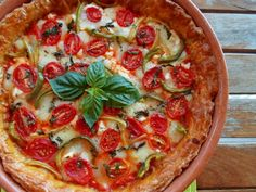 Crispy Tart with Red Pepper, Greek Cheeses and Basil! A delicious Summer Tart! Lunch Recipes, Cake Recipes, Cooking Recipes, Greek Cheese, Savory Tart, Group Meals, Greek Recipes, Vegetable Pizza, Good Food