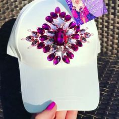 Get the look at slay network Hair Jewelry, Beaded Jewelry, Handmade Jewelry, Diy Headband, Headbands, Diy Lace Ribbon Flowers, Hand Embroidery Videos, Bling Shoes, Diy Hat