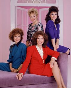Annie Potts, Delta Burke, Jean Smart, and Dixie Carter in Designing Women Jean Smart, Old Tv Shows, Movies And Tv Shows, Designing Women, Dixie Carter, 80s Costume, Costume Ideas, Delta Burke, Vintage Television
