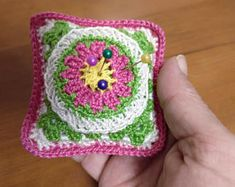 Alfiletero de ganchillo, regalo útil, regalo costureras, hilo de algodón, multicolor, mandala de ganchillo