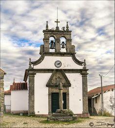 Iglesia y Pelourinho (picota), Bragança, Portugal
