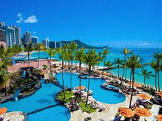 Sheraton Waikiki on the island of Oahu. A perfect location right on Waikiki Beach. Family Friendly Resorts, Family Resorts, Hotels And Resorts, Family Vacations, Inclusive Resorts, Hawaii Vacation, Hawaii Travel, Dream Vacations, Hawaii Hotels