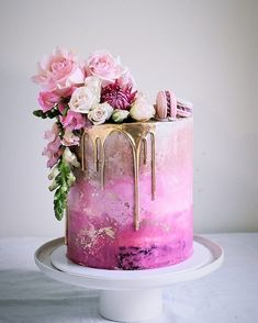 20 besten Hochzeitstorte Ideen 2019 – Hochzeit – Cake … … – Wedding Cakes With Cupcakes Pretty Cakes, Beautiful Cakes, Amazing Cakes, Bolo Tumblr, Pink Ombre Cake, Pink Gold Cake, Purple Ombre, Bolo Cake, Cool Wedding Cakes