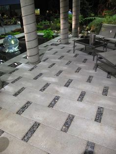 Space between pavers for accent stones