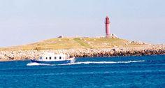 Atlantique - Phare de l'Île aux Marins, (anciennement île aux chiens) est une petite île de l'archipel de  Saint-Pierre-et-Miquelon.