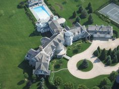 Fairfield Pond, The Hamptons, USA This estate was built by American business giant, Ira Rennert. It's value at $170 million makes it the most prestigious home in the Hamptons