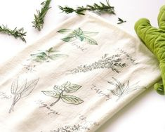 Herbs Tea Towel Flour Sack Tea Towels Tea by HoneyBrushDesign Flour Sack Towels, Flour Sacks, Dish Towels, Diy Tea Towels, Do It Yourself Crafts, Textiles, Watercolor Design, Fabric Painting, Crafts To Sell