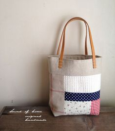Natural patchwork leather  small bag lunch bag mori girl Japan handmade zakka Leather Diy Crafts, Leather Craft, Bag Lunch, Scout Shop, Japanese Bag, Bag Patterns To Sew, Cute Bags, Handmade Bags, Bag Making