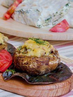 Фаршированные шампиньоны с сыром.   Еда XXI века. Кулинарный блог Тимошина Алексея.
