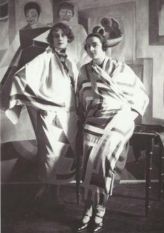 Sonia Delaunay, Robert Delaunay, Piet Mondrian, Harlem Renaissance, Art Textile, Textile Design, Belle Epoque, Old Photos, Vintage Photos