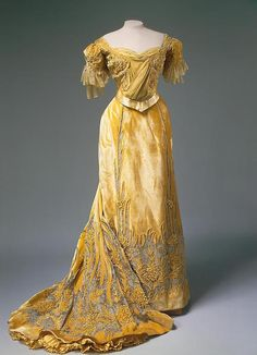 Evening dress of Empress Alexandra Feodorovna,   From the State Hermitage Museum