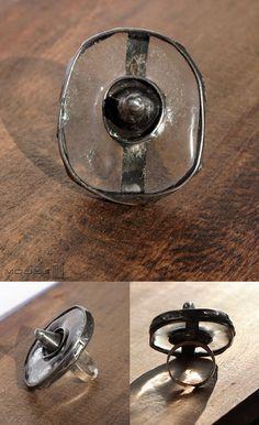 Tarcza Wikinga - pierścionek / Viking shield - ring. Szkło, miedź, fusing…