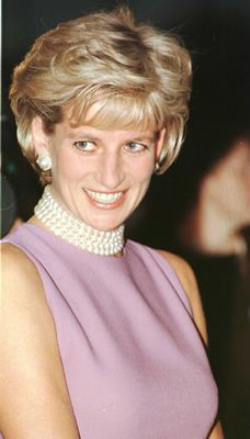Princess Diana looks so amazing in this photo love the pearl choker necklace…