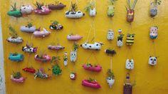 Materas en botellas plásticas decoradas
