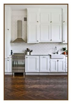 love the floor, cabinet design (awesome that they go all the way to the ceiling)