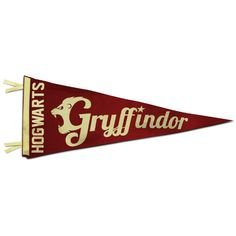 Vintage Hogwarts Pennants - The 1948 Time Machine ❤ liked on Polyvore featuring harry potter, hogwarts, fillers, gryffindor, hp, backgrounds, circular, circle, borders and picture frame