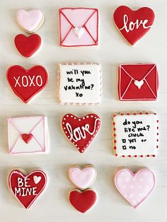 Day Sugar Cookies with Royal Icing - Carly the Prepster - It's no secret that I love to bake. I could spend hours whipping up dozens of cookies, cakes, and -Valentine's Day Sugar Coo. Valentine's Day Sugar Cookies, Sugar Cookie Royal Icing, Heart Cookies, Iced Cookies, Cookies Et Biscuits, Cookie Frosting, Frosted Sugar Cookies, Decorated Cookies, Valentines Day Cookies