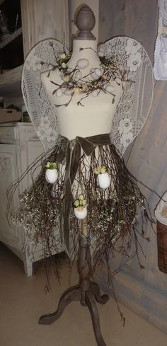 Spring, Easter, eggs, flowers, paspop, mannequin, lace, wings, dress forms