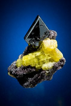 """Manganite on Ettringite N'Chwaning Mine Karahari Manganese Fields, Northern Cape province South Africa"""