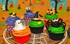 Halloween Cupcakes  www.sweetcupcakesymas.com