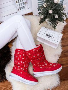 Teplé červené snehule ozdobené vločkami JB13-19CE Outfit, Boots, Winter, Fashion, Outfits, Crotch Boots, Winter Time, Moda, Fashion Styles