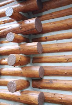 """This is the """"Butt-Pass"""" method.  Criss-cross...Skip Ellsworth hated the cheap log home """"kits"""" of today.  Manufactured at warehouses, they should never be taken apart and shipped.  According to him, it affects the wood tremendously!"""