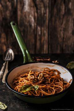Pesto di pomodori secchi e noci/ sun dried tomato pesto