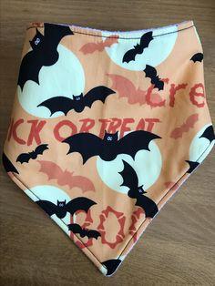 Spooky Halloween Dribble Bib made and available on my Etsy 🎃🦇👻 Spooky Halloween, Halloween Crafts, Dribble Bibs, Casual Shorts, Fun, Etsy, Women, Scary Halloween, Bibs