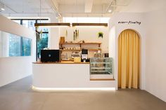 Coffee Cafe Interior, Bakery Interior, Cafe Interior Design, Cafe Design, Café Interior, Coffee Shop Bar, Small Coffee Shop, Coffee Shop Design, Coffee Store