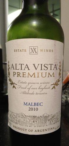 En Bogotá. Con un vino argentino. Dic 2012.