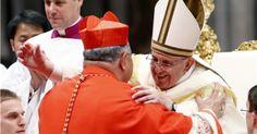 Pape François - Pope Francis - Papa Francesco - Papa Francisco - En conférant, samedi 22 févr 2014 à Rome, la dignité cardinalice à 19 archevêques - sa première promotion - le pape François leur a donné une feuille de route marquée pour un appel à l'unité interne de l'Eglise et pour le combat spirituel contre «l'esprit du monde».
