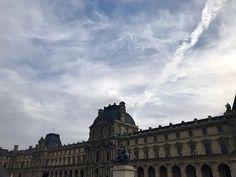 "Nastasia Michailou 🌗 on Instagram: ""Love love love. Je veux un appart ici 🙄"" Louvre, France, Building, Pictures, Travel, Instagram, I Want You, Photos, Viajes"