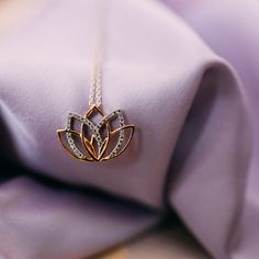 This enchanting necklace was refined by an elaborate lotus flower. The 36 draped zirconia give this trend piece made of sterling silver a touch of extravagant elegance. Finger, Lotus Flower, Poems, Cufflinks, Brooch, Sterling Silver, Chain, Elegant, Life