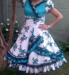 Vestido de China, huasa chilena! Dance Outfits, Kids Outfits, Cool Outfits, Fashion Outfits, Womens Fashion, Fall Dresses, Cute Dresses, Beautiful Dresses, Clogs Outfit