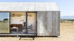 A prefabricated and portable tiny house named the built by Spanish architecture firm, ÁBATON. Cabinet D Architecture, Spanish Architecture, Architecture Design, Maison Transportable, Studio Arthur Casas, Eco Construction, Design Innovation, Microhouse, Modern Prefab Homes
