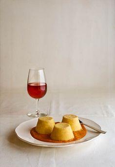 """Receta 498: Flanecitos con salsa de tomate » 1080 Fotos de cocina - proyecto basado en el libro """"1080 recetas de cocina"""", de Simone Ortega."""
